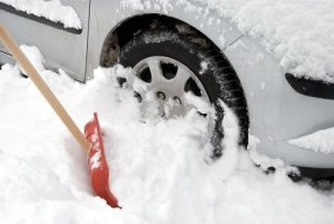 car-stuck-in-deep-snow
